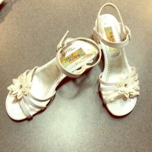 Girls' White sandals